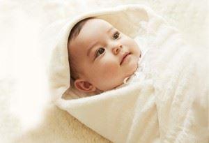 新生児のおくるみ