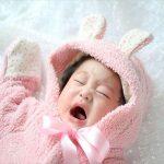赤ちゃん(0~1歳未満)が夜泣きをする理由は?夜泣きがひどい時の対策も紹介!