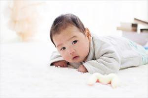 赤ちゃん(2~3カ月)のあやす時の注意点