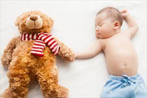 赤ちゃんの鼻水の吸引