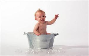 赤ちゃんの冬のお風呂の時間