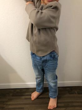 無地のカットソー:男の子のかっこいい子供服で春の人気